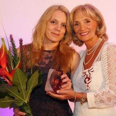2015 Community Award Winner Victoria Armstrong